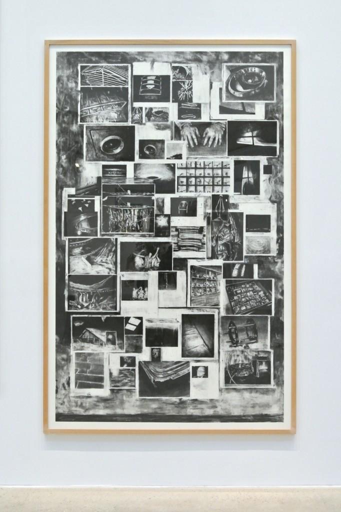 Timothée Schelstraete, Confer, 2016, fusain sur papier, 235 x 140 cm